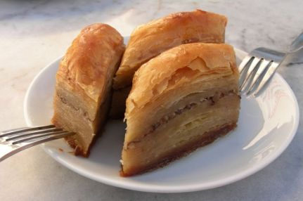 800px-baklava_-_turkish_special_80-ply.jpeg
